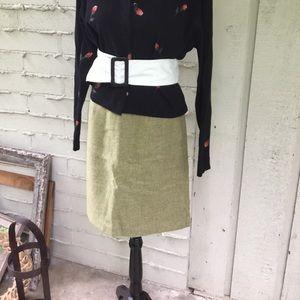 Ann Taylor Wool Pen is Skirt sz 4